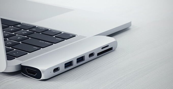 10 Best Laptops with Thunderbolt 3 2021 – Review