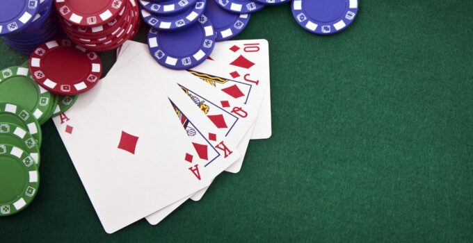 Best Poker Chip Sets For Private Games Or Corporate Gifts